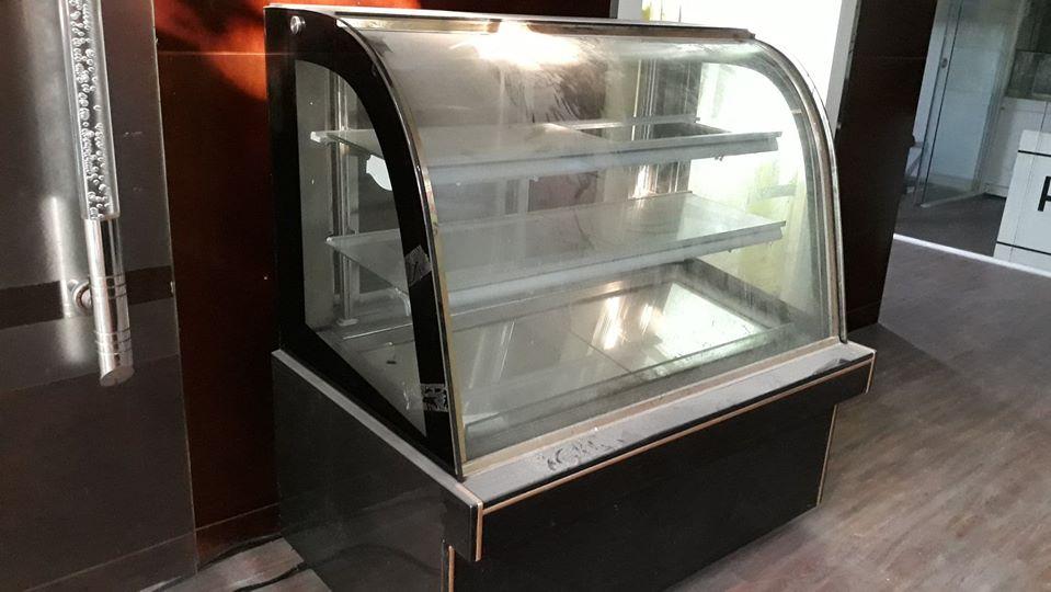 Tủ bánh kem